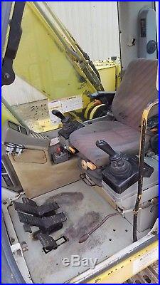 2000 New Holland EC215 LC Excavator withThumb AUX HYD Trackhoe