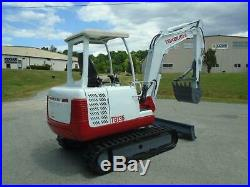 2002 Takeuchi Tb135 Mini-excavator