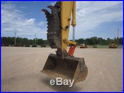 2004 John Deere 200CLC Excavator