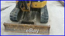 2004 caterpillar 303cr Mini Excavator Low Hours! BEAUTIFUL UNIT