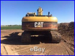 2005 Caterpillar CL 325 with 54 Bucket and Hydraulic Thumb