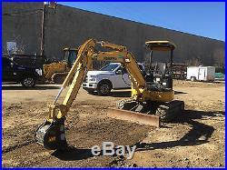 2006 Komatsu PC35MR-2 Mini Excavator (2) Buckets Hydraulic Grapple 1354 HRS