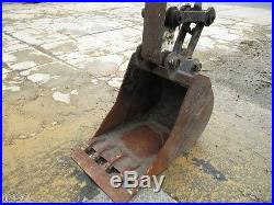 2010 Bobcat E80 Hydraulic Excavator, Full Cab, Air, Heat, Blade, New Tracks