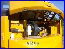 2010 John Deere 85D Excavator, Swing Boom, 36'' Bucket withthumb, 2572 hrs, NICE