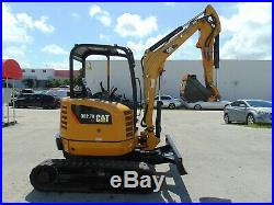 2014 CAT 302.7D-CR 6,000 LB MINI EXCAVATOR With BLADE 2 BUCKETS INCLUDED