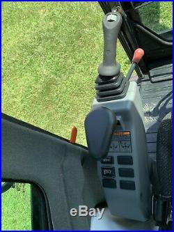 2016 Bobcat E35 Mini Excavator, Enclosed Hvac, Deluex Radio, Hyd Thumb, 33 HP