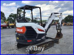 2018 Bobcat E32 Hydraulic Mini Excavator with Thumb Only 700 Hours Super Clean