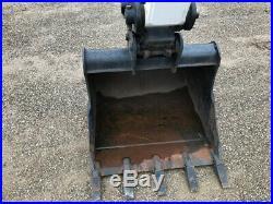 2018 Bobcat E85 Rubber Track Excavator Cab AC/Heat 9 Hours Crawler Bob Cat