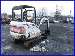 Bobcat 325 Mini Excavator