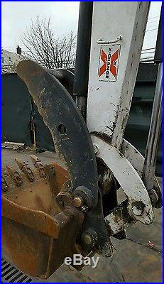 Bobcat 341 Excavator Enclosed cab Aux hydraulics Rubber Tracks Tumb keyless