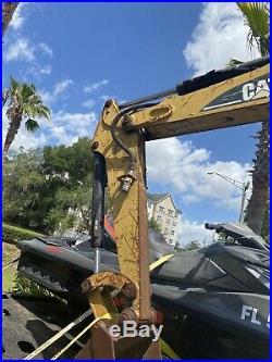Caterpillar 302.5 Mini Excavator PARTS OR REPAIR