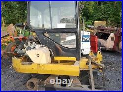 Caterpillar Cat 302.5c Mini Digger Excavator dismantling for parts! King post