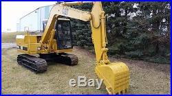 Caterpillar cat E70b excavator with thumb