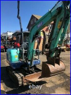 Excavator IHI35N 3,228 hours with thumb