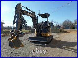 JOHN DEERE 26G EXCAVATOR With BLADE AND THUMB 2015 With 57 ACTUAL HOURS