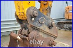Jcb Js220lc 6 Cylinder Isuzu Engine Crawler Excavator / Year 2004