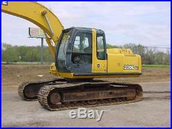 John Deere 200CLC Excavator