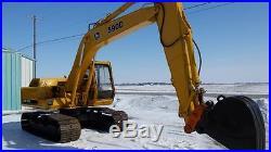 John Deere 590D excavator