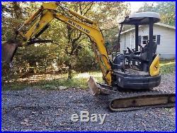New Holland E27SR Mini Excavator with Hydraulic Thumb good condition