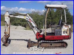 Takeuchi TB016 Mini Excavator Dozer Blade Rubber Tracks bida
